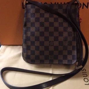 Authentic Louis Vuitton cross body Bag